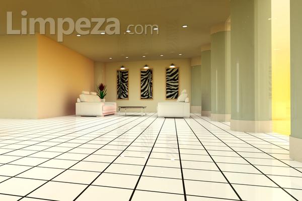 Como deixar o piso de cerâmica brilhando?