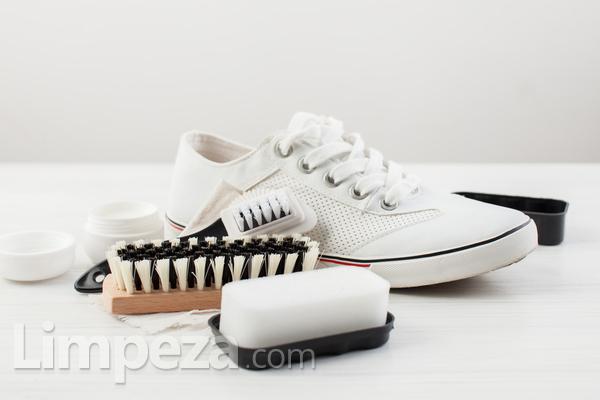 Aprenda a limpar e guardar cada tipo de sapato
