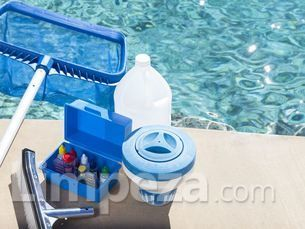 Limpeza de piscina - 5% off